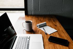 Bureau, ordinateur, café, bloc-notes